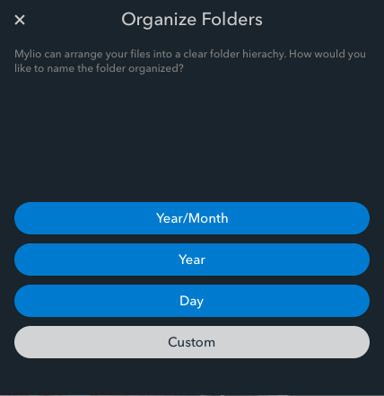Auto-organize your pictures with Organize Folders.